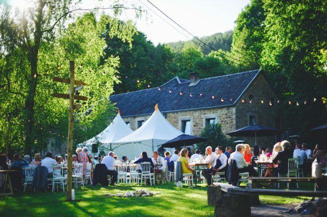Bruiloft diner buiten