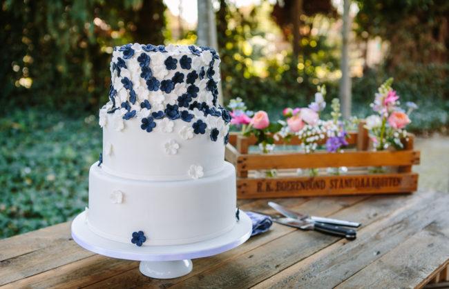 Bruidstaart zomerbruiloft
